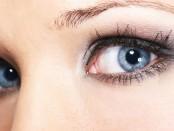 fallende Augenlider